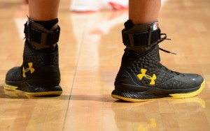 curry-1-black-yellow-2-300x188 Curry 1 Black Yellow