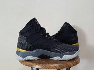 curry-2.5-black-gold-1-300x225 Curry 2.5 Black Gold