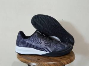 Sepatu Basket Kobe Mentality 2 Black