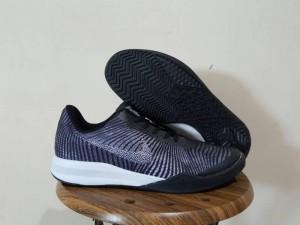 Sepatu-Basket-Kobe-Mentality-2-Black-300x225 Sepatu Basket Kobe Mentality 2 Black
