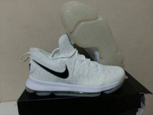Sepatu Basket KD 9 White