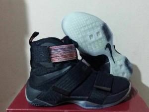 Sepatu Basket Lebron Soldier 10 Black