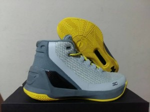 Curry 3 Grey Yellow
