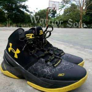 sepatu-basket-curry-2-black-knight-300x300 Sepatu Basket Curry 2 Black Knight