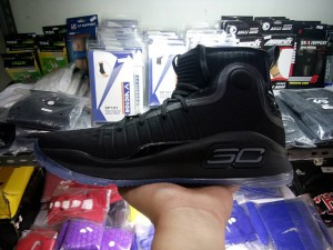 49542-300x225 Sepatu Basket Curry 4 Black Full