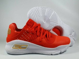 Curry 4 Low Red White