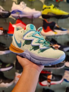 Kyrie 5 Squidward