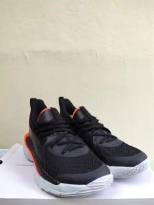 Sepatu-Basket-Curry-7-Focus-1-225x300 Sepatu Basket Curry 7 Focus