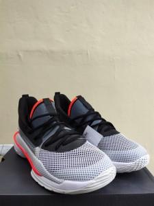 Sepatu-Basket-Curry-7-Underrated-Grey-1-225x300 Sepatu Basket Curry 7 Underrated Grey