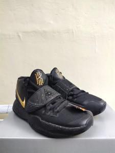 Sepatu-Basket-Kyrie-6-Black-Metalic-Gold-1-225x300 Sepatu Basket Kyrie 6 Black Metalic Gold