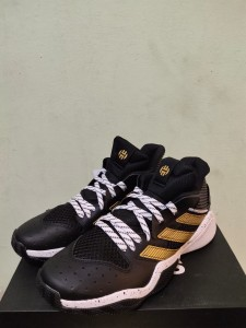Sepatu-Basket-Adidas-Harden-Black-Gold-3-225x300 Sepatu Basket Adidas Harden Black Gold Original
