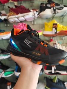 Sepatu Basket Ardiles DBL Aza 6.9 Hitam Orange