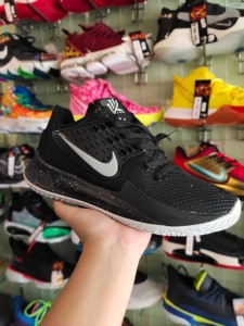 Sepatu Basket Kyrie 2 Low Black Silver