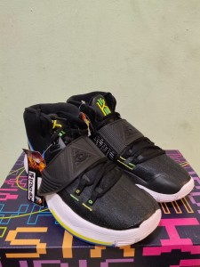 Sepatu-Basket-Kyrie-6-Black-White-Original-1-225x300 Sepatu Basket Kyrie 6 Black White Original